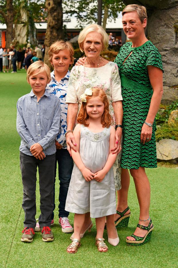 Mary Berry with her daughter Annabel Hunnings and grandchildren