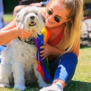 Roly the Tibetan terrier & Kate O'Callaghan from Sutton enjoying the good weather in Stephens Green,Dublin. Photo: Gareth Chaney Collins