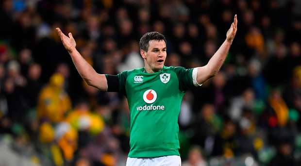 'I know you hate me but you have to talk to me' - Johnny Sexton in fiery exchange with referee during Ireland win