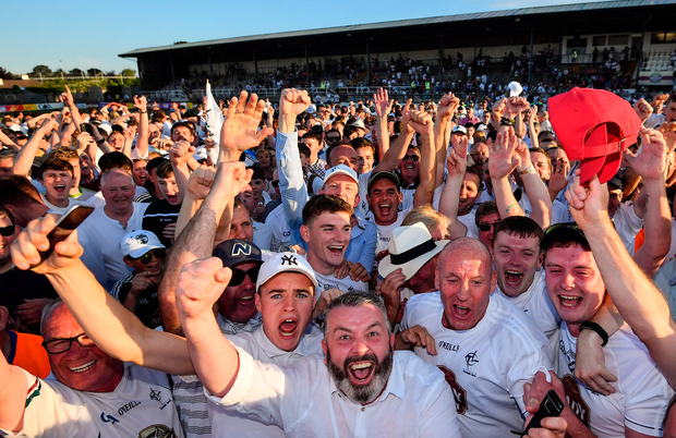 30 June 2018; Kildare supporters and player Mark Hyland celebrate following the GAA Football All-Ireland Senior Championship Round 3 match between Kildare and Mayo at St Conleth's Park in Newbridge, Kildare. Photo by Stephen McCarthy/Sportsfile