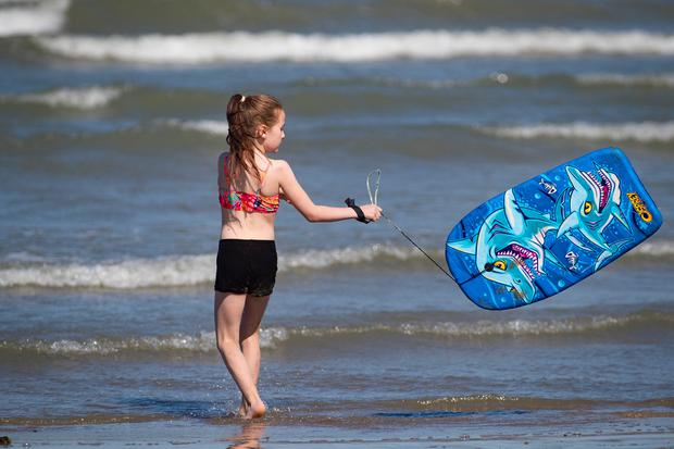 Georgia Foran-Reid, age 10, enjoying the good weather at the beach in Skerries, North Dublin. Picture:Arthur Carron