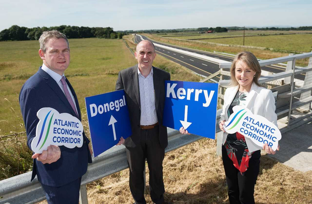 Minister for Community Development, Natural Resources and Digital Development, Seán Kyne with Tony Neary, VP & MD, Medtronic and Helen Leahy, Ibec, Regional Policy Executive