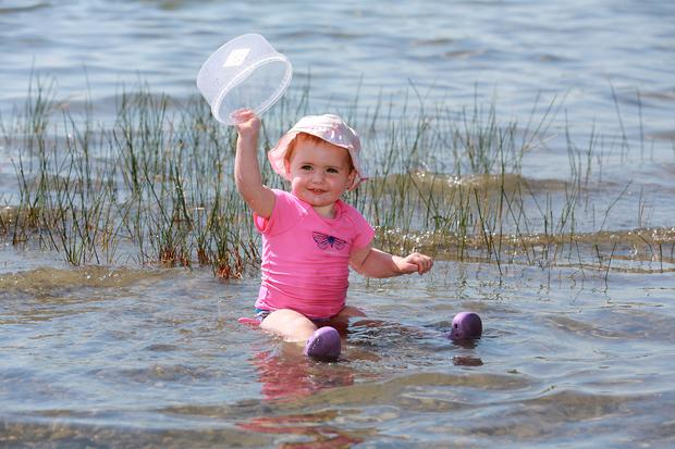 Emilia Barr [ 20 months] from Ballynameagh cools down in Lough Lene near Collinstown in County Westmeath.Picture Credit:Frank McGrath