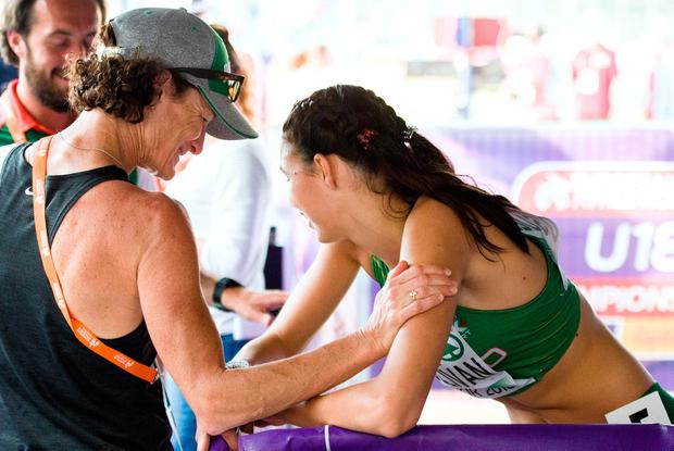 Sonia O'Sullivan with her daughter Sophie after she won her heat. Photo credit: ©INPHO/Sasa Pahic Szabo
