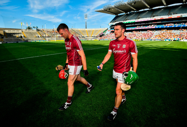 Babs Keating has criticised Jonathan Glynn (left) for wearining two gloves during last weekend's Leinster GAA Hurling Senior Championship Final match between Kilkenny and Galway at Croke Park in Dublin. Photo by Stephen McCarthy/Sportsfile