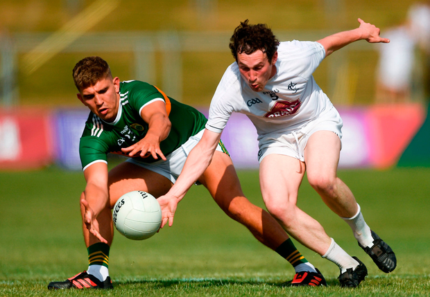 Cillian Fitzgerald of Kerry in action against Graham Waters of Kildare. Photo by Piaras Ó Mídheach/Sportsfile