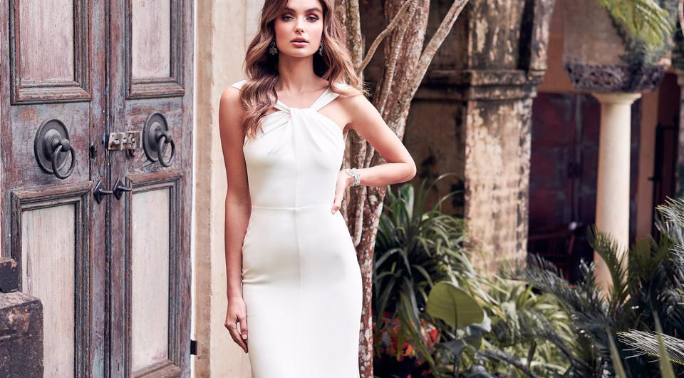 Anna Campbells Breathtaking New Wedding Dress Collection Is Giving