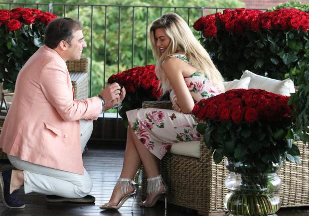 US model Samantha Hoopes says 'yes' to boyfriend Salvatore Palella in Italy