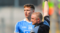24 June 2018; John Small of Dublin is shown the red card by referee Barry Cassidy during the Leinster GAA Football Senior Championship Final match between Dublin and Laois at Croke Park in Dublin. Photo by Piaras Ó Mídheach/Sportsfile