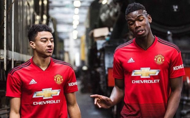 new product 9d14a a703d Man Utd unveil £183 kit - the most expensive in history ...