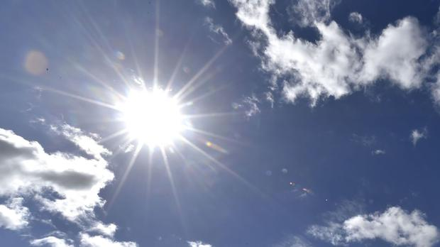 Thunderstorm warning but temperatures still set to soar to 36C