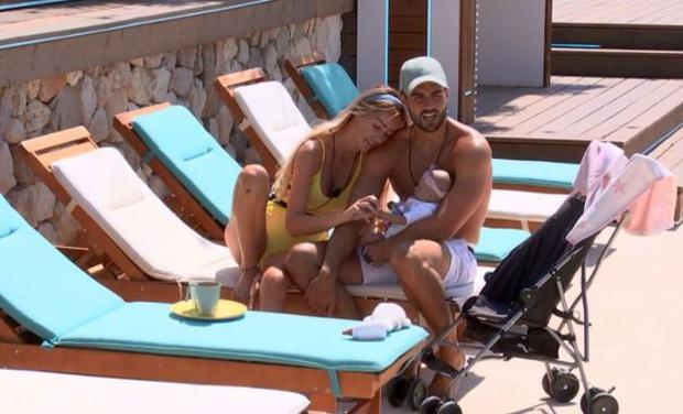 Laura and Paul on Love Island. PIC: ITV