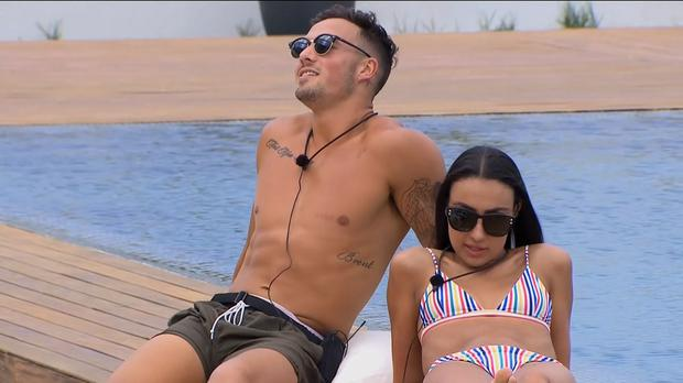 Grant chats up Tayla behind Cassidy's back on Love Island Australia