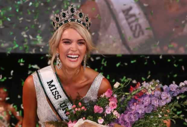 Grainne Gallanagh is crowned Miss Universe Ireland. Photo: Colin O'Riordan