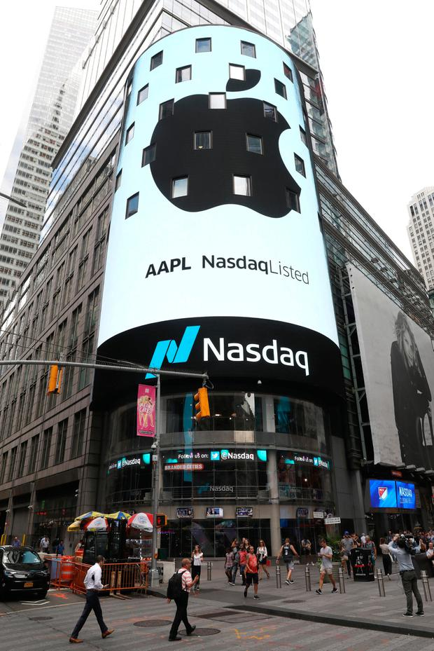Technology giant Apple hits the $1trn mark in Wall Street. Photo: Reuters/Mike Segar