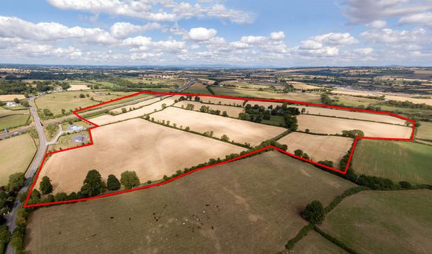 The residential holding is guided at €13,000 per acre and (below) the property.