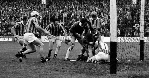 Limerick's Mossy Dowling (second right) manages to squeeze the sliotar past Kilkenny goalkeeper Noel Skehan to score his side's only goal in the 1973 All-Ireland SHC final – the last time the Liam MacCarthy Cup was brought back to the Treaty County. Other players in the picture include (from left): 'Fan' Larkin, Phil Cullen and Nicky Orr of Kilkenny, Ned Rea of Limerick and Kilkenny's Pat HendersonSportsfile