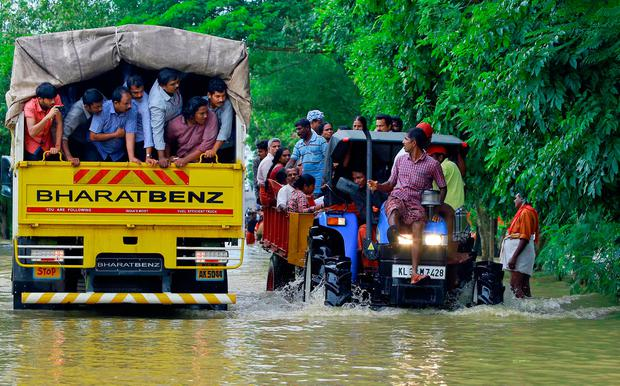 Thousands waiting for rescue after Indian monsoon tragedy