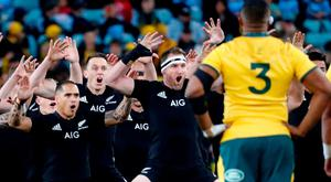 Rugby Union - 2018 Bledisloe Cup Rugby Championship - Australia v New Zealand - ANZ Stadium, Sydney, Australia - August 18, 2018 New Zealand players perform the haka before the match REUTERS/David Gray
