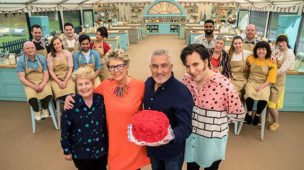 Noel fielding, Sandi Toksvig and Judges Paul Hollywood, Prue Leith with contestants (Mark Bourdillon/Love Productions/Channel 4)