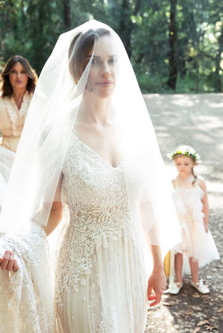 Hilary Swank Ties The Knot In Secret Wedding Complete With First