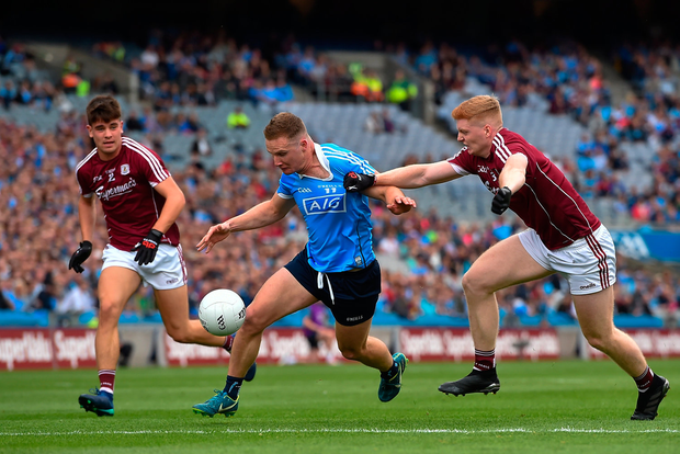 11 August 2018; Ciarán Kilkenny of Dublin in action against Seán Andy Ó Ceallaigh of Galway, right, during the GAA Football All-Ireland Senior Championship semi-final match between Dublin and Galway at Croke Park in Dublin. Photo by Seb Daly/Sportsfile