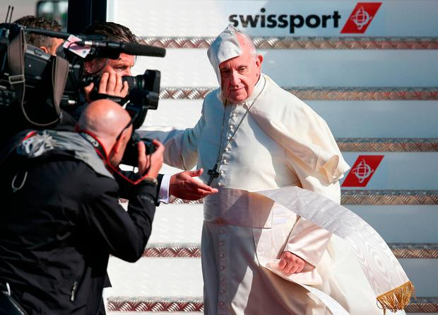 Pope Francis as he arrives at Dublin Airport, at the start of his visit to Ireland: WMOF2018/Maxwell Photography/PA Wire