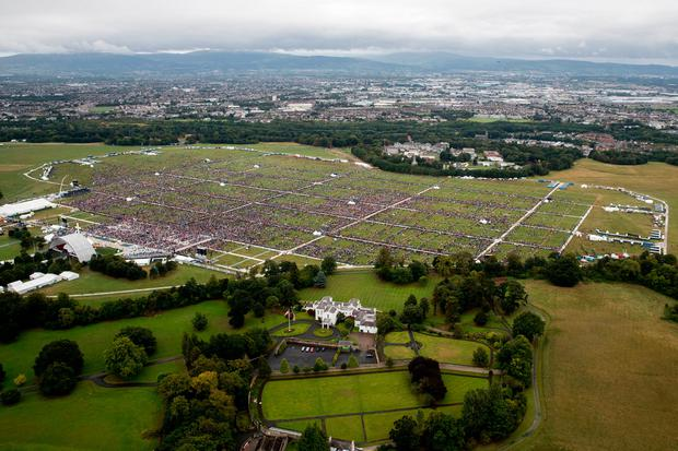 The crowd at the Phoenix Park as Pope Francis attended the Mass. Photo: Liam McBurney/PA Wire