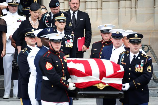 Meghan McCain rebukes Trump in powerful eulogy for her father