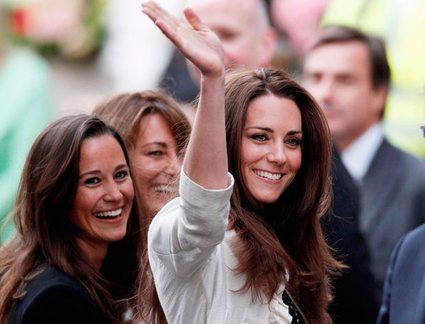 Catherine Middleton (R) her mother Carole and sister Pippa arrives at The Goring Hotel after visiting Westminster Abbey on April 28, 2011 in London, England