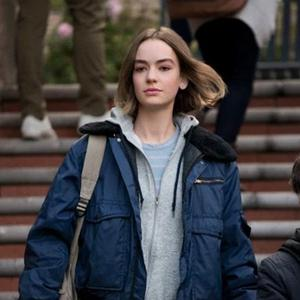 Casey (Brigette Lundy-Paine) in Netflix series Atypical