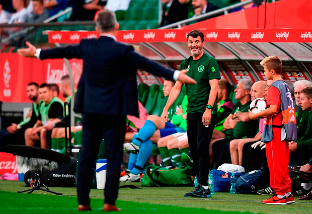 Roy Keane and Polish manager Jerzy Brzêczek share a light-hearted moment during the friendly international in Wroc³aw this week. Photo: Stephen McCarthy/Sportsfile