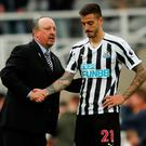 Newcastle manager Rafael Benitez commiserates with Joselu after their defeat against Arsenal. Photo: Reuters/Lee Smith