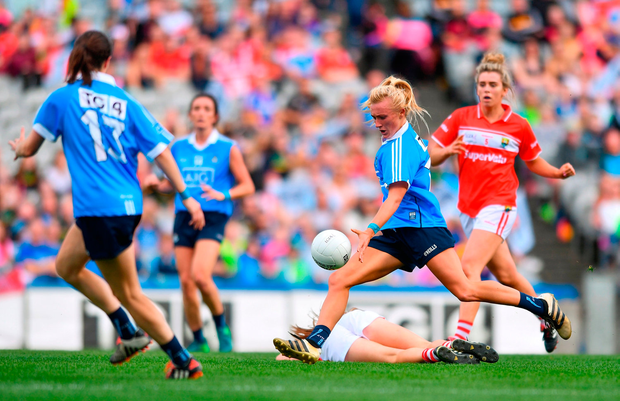 Carla Rowe of Dublin shoots to score her sides second goal. Photo by Sam Barnes/Sportsfile