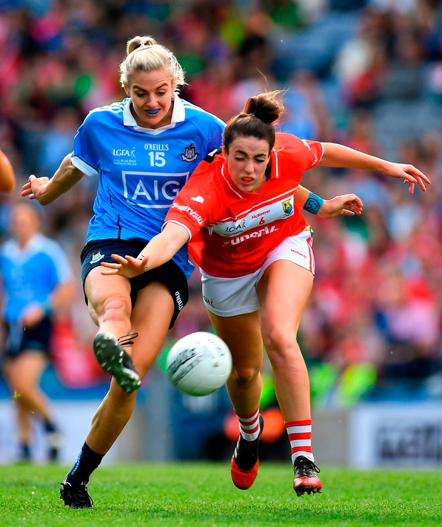 Nicole Owens of Dublin in action against Shauna Kelly of Cork. Photo by Brendan Moran/Sportsfile