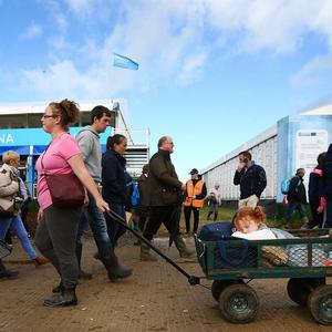National Ploughing Championships 2018. Lucy Ryan (4) from Thurles, Co. Tipperary has a handy way of getting around with her mother Clara. Picture; Gerry Mooney