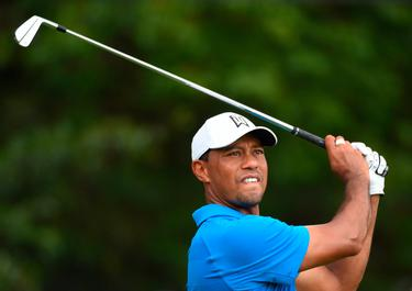 36b18d030 WATCH: Dream showdown as Tiger Woods and Rory McIlroy go head to ...