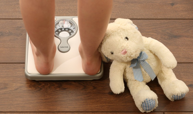 There may be an increase in obesity but there is also an increase in eating disorders, an Irish dietitian claims.