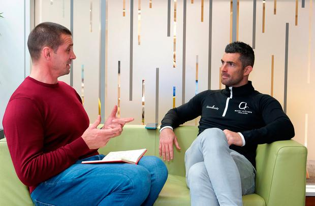 Rob Kearney chatting with Alan Quinlan earlier this week. Photo: Damien Eagers/INM
