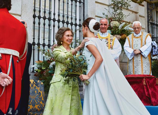 MADRID, SPAIN - OCTOBER 06: Queen Sofia of Spain and Sofia Palazuelo attend the wedding of Fernando Fitz-James Stuart and Sofia Palazuelo at Liria Palace on October 6, 2018 in Madrid, Spain. (Photo by Pool via Getty Images)