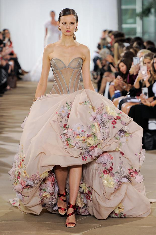 73052fd351 The top wedding dress trends for 2019: The Fall/Winter Collections ...