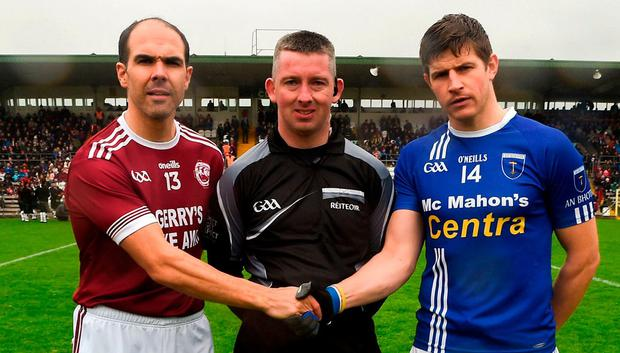 7 October 2018; Referee Anthony Marron with Ballybay and Scotstown captains Paul Finlay and Darren Hughes prior to the Monaghan County Senior Club Football Championship Final. Photo: Philip Fitzpatrick/Sportsfile