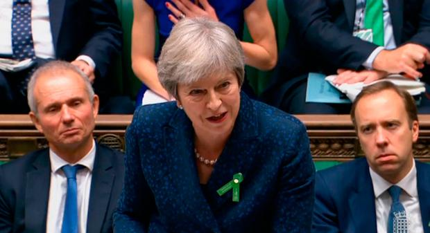 Ministers in revolt over May's Brexit concessions