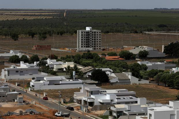 An overview of an upscale neighborhood with many undergoing constructions, and a farm in the background, in Luis Eduardo Magalhaes, Bahia state, Brazil September 12, 2018. Picture taken September 12, 2018. REUTERS/Ricardo Moraes