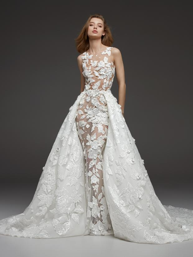 32d3fd35c3c6 The top wedding dress trends for 2019: The Fall/Winter Collections ...