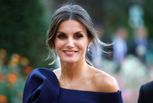 Queen Letizia of Spain arrives at the Grand Palais to visit the Miro exhibition on October 05,2018 in Paris, France