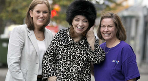 Stylist Irene O' Brien officially launches BT Shop for Change, Ireland's biggest charity shop takeover, in aid of the Irish Cancer Society. Also pictured is Oonagh O' Mahony, Retail Area Manager for the Irish Cancer Society and BT employee Claire Hanrahan.