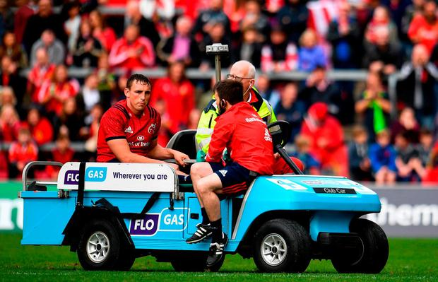Tommy O'Donnell of Munster leaves the field after picking up an injury during the Heineken Champions Cup Round Pool 2 Round 2 match between Munster and Gloucester at Thomond Park in Limerick. Photo by Sam Barnes/Sportsfile