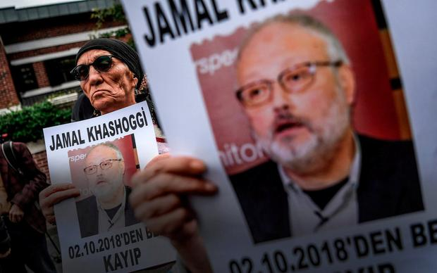 VIGIL: Protesters outside the Saudi consulate in Istanbul, where journalist Jamal Khashoggi was killed on October 2. Photo: Ozan Kose/AFP/Getty