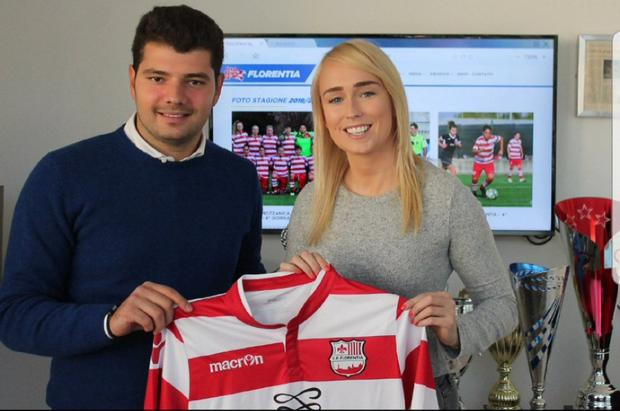 Stephanie Roche signs with Florentina.